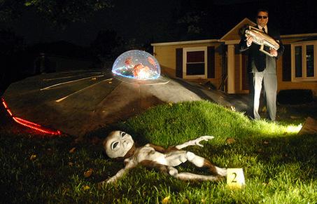 Alien spaceship crash images for Alien decoration